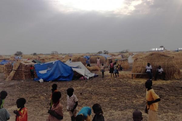 Campo de desplazados en el estado sursudanés de Alto Nilo. Marzo de 2014. Foto de Agus Morales
